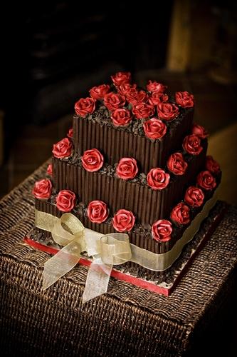 Cake Designs Uk Ltd : Elite Cake Designs Ltd Wedding Cakes in Solihull ...